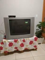 Tv tubo LG 32 polegadas com controle de vídeo
