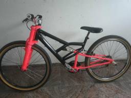 Bike Zerada, está meio rebaixada