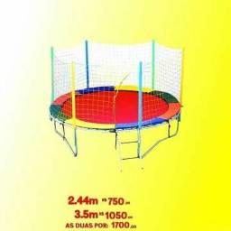 2,44 m + 3,05 m / Cama Elástica// pula pula