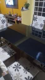 Linda mesa 6 cadeiras com tampo de vidro