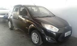 Fiesta 1.6 class com 4 pneus novos - 2011