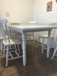 Mesa de madeira torneada laca branca - 1,60m por 80cm - 6 lugares
