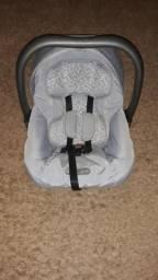Bebê conforto e neonato burigotto