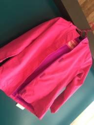 Corta vento rosa neon, importado. Feminino infantil e com capuz refletivo, impermeável