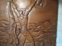 Quadro de Madeira Talhado a Mão 1,30x1,30m XIRÓ (Pequeno Dano)