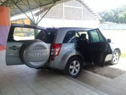 Vende-se um Suzuki Grand Vitara ano 2010