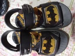 Sandália infantil e sapato