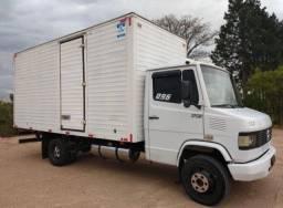 Título do anúncio: Caminhão Mb 710 Branca Para Vender