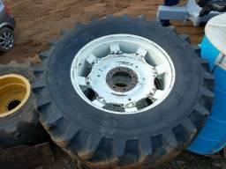 Vendo pneus e rodas agrícolas