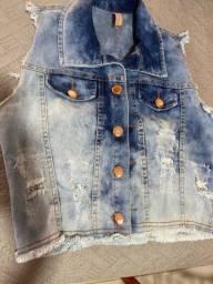 Jaqueta jeans sem manga