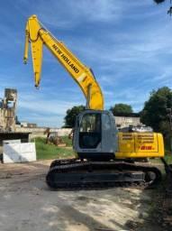 Escavdeira New Holland 215 B