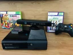 Xbox360 4GB+1 Controle+Kinect+8 jogos - Pouco uso