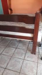 Cama de madeira casal com colchão Tam especial