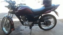 Vendo uma moto Fan 150 2011 - 2011