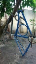 Vendo 2 quadros de bicicleta