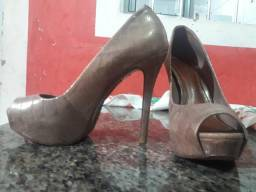 Sapato salto alto meia pata