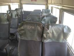 Vendo ou troco por carro de passeio uma Van dá Iveco ano 2001suporta19 pessoas - 2001