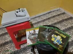 Xbox One S 500gb + 3 Jogos