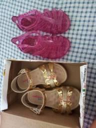 2 Pares de sandália