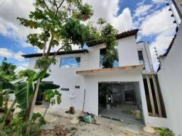 Aluga-se casa na rua João Moura - São José