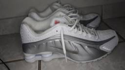 Título do anúncio: Tênis Nike Shox R4 Tamanho 41