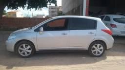 Nissan Tiida Hatch 1.8 S 2011/2012