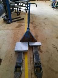 Paleteira 2000 kg revisada