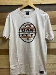 Camiseta R$ 28,00 cada, à vista