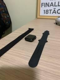 AppleWatch Series 4 40mm (GPS + Celular)