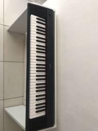 Piano digital Yamaha Piaggero P-12 72 teclas
