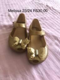 Sapatilha Melissa dourada borboleta tamanho 23/24