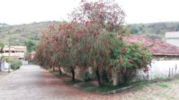 Casa com pomar, 2 quartos ,Jd. Alice, Caxambu