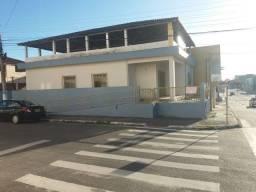 Aluga-se Casa Ponto p/Comércio São Mateus ES sala grande 04 quartos, 02 banheiros etc.