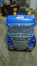 Vendo caminhão de pedal