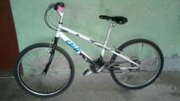 Branca bike boa com marcha