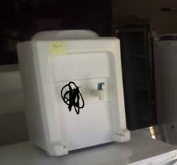 Vendo gela agua focinando perfeitamente negociável o valor chama no chat