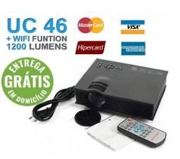 Mini projetor profissional 1200 lumens wifi uc46 - entrega gratis