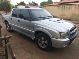 Vende-se uma caminhonete 2010/2011s10 executiva 4×4 diesel - 2011