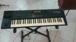 Teclado Roland XP60