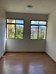 Ótimo apartamento 02 quartos à venda no Teixeira Dias!