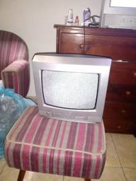 Tv LG 14 polegadas precisa de conversor