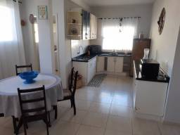 Apartamento e Casa a 50 mts da praia Enseada c/ar e internet