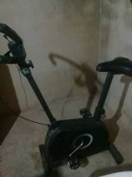 Vendo esta bicicleta biométrica ou troco por cel valou 350