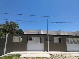 Casa independente e linear de 1º locação, a poucos passos da Praia Linda