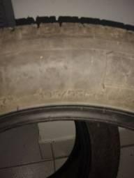 2 Pneus Michelin 195 55 16, por apenas 430 reais o par.