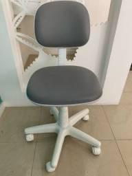 Cadeira de rodízio secretaria