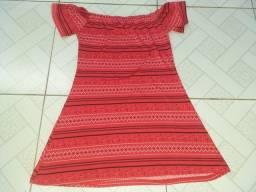 Título do anúncio: Vende-se dois vestidos e duas causas feminina por 80 reais Telefone *