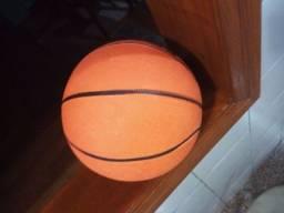 Título do anúncio: Bola oficial de basketball size & weight indoor/outdoor número 7