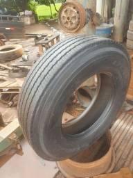 Vendo pneu 295 carreta