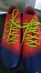 Título do anúncio: Chuteira de campo Adidas Messi usada